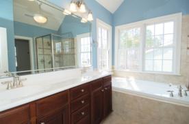 fliesen renovieren neuer glanz in bad und k che hausbau. Black Bedroom Furniture Sets. Home Design Ideas