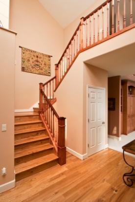 holztreppe die traditionelle bauweise hausbau. Black Bedroom Furniture Sets. Home Design Ideas
